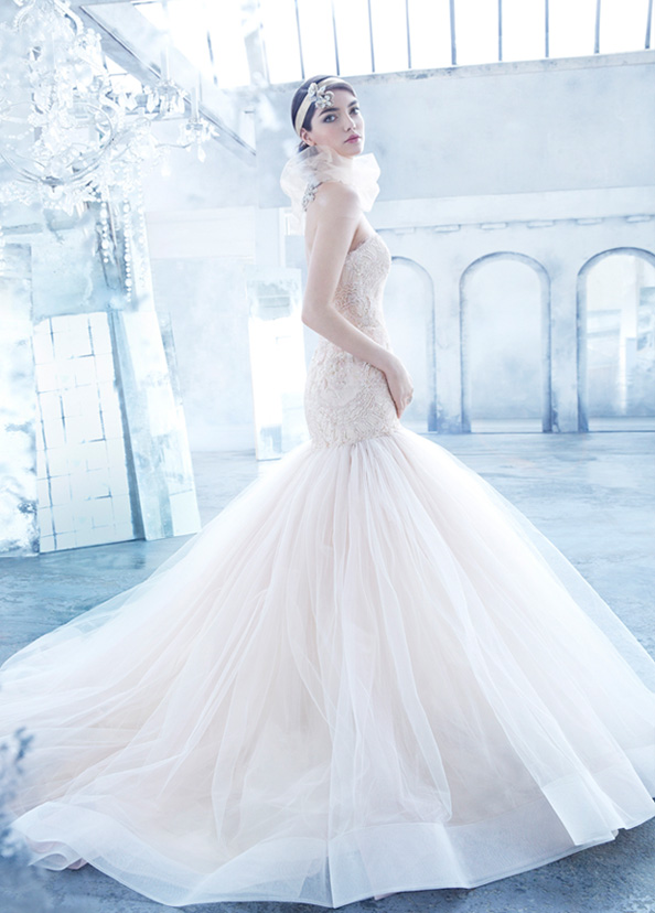lazaro-bridal-beaded-chantilly-lace-fit-and-flare-strapless-sweetheart-gathered-tulle-horsehair-chapel-3402_zm