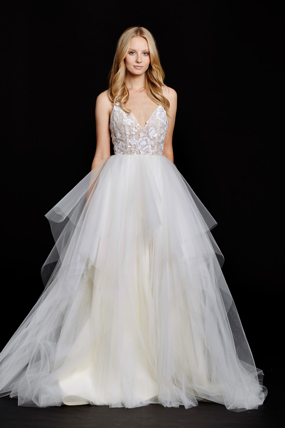 A Silhouette Guide To Finding The Perfect Wedding Dress