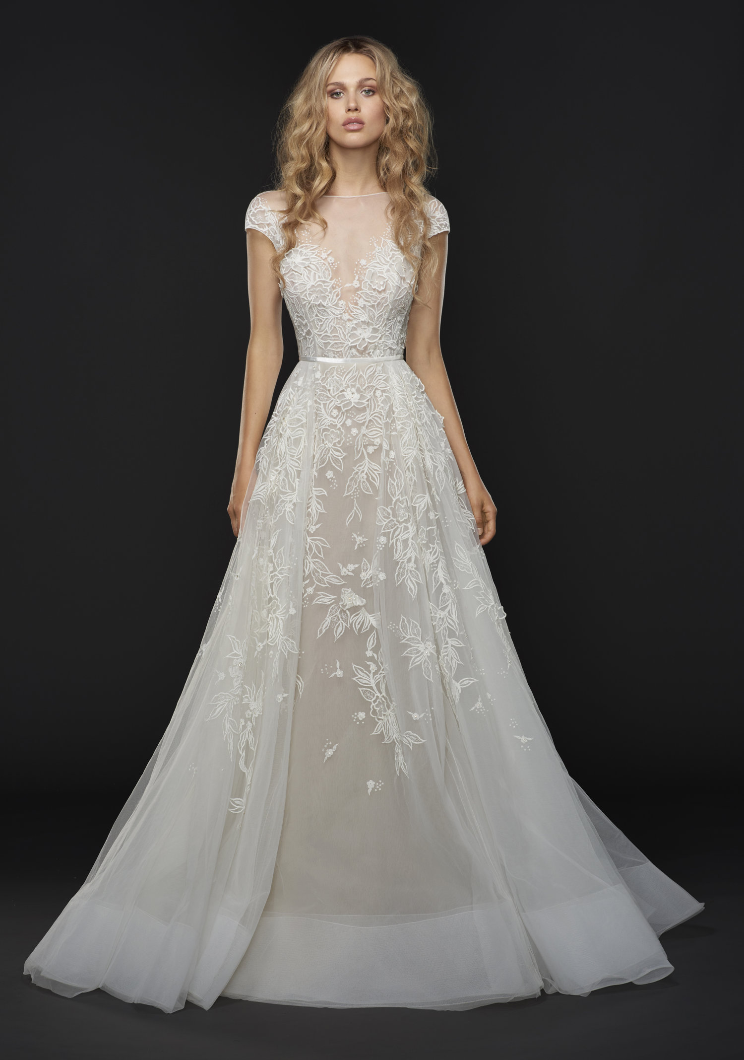 Hayley Paige Vaughn Gown / Style 6757