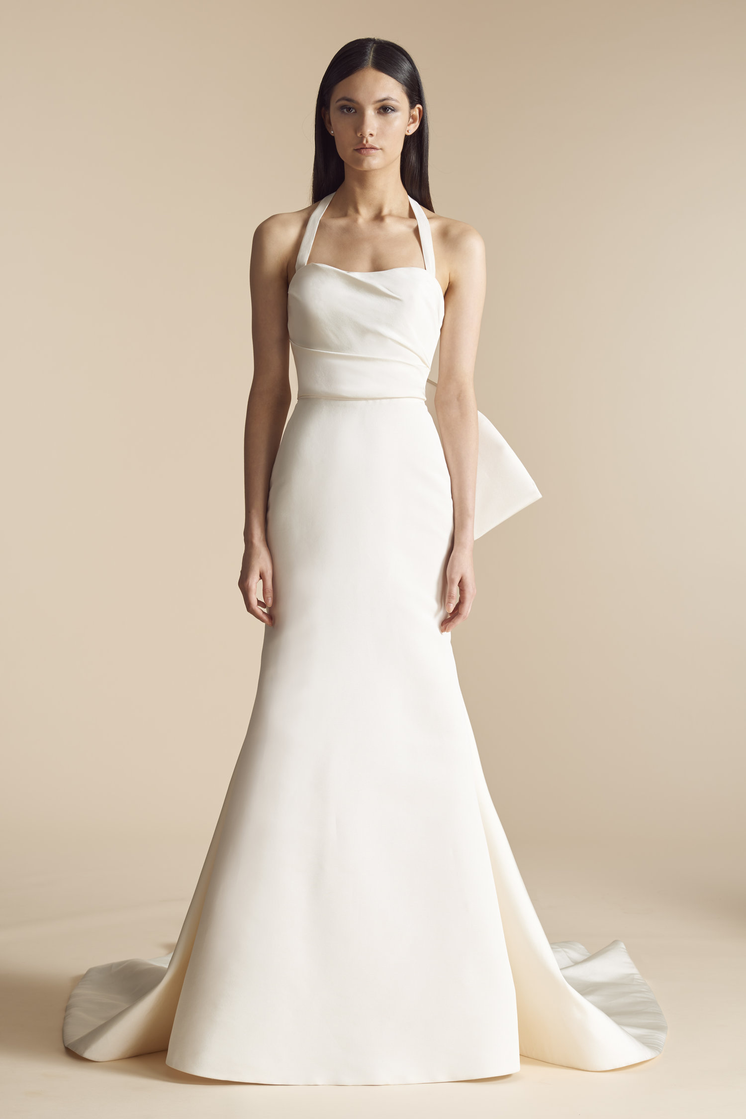 The Perfect Wedding Dress To Go With Your Perfect Engagement Ring ...