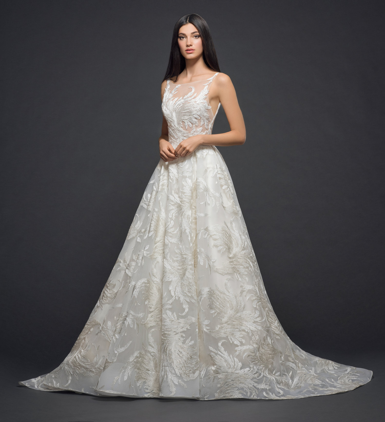 Choosing Between Dramatic and Simple Bridal Gowns for Your Wedding ...