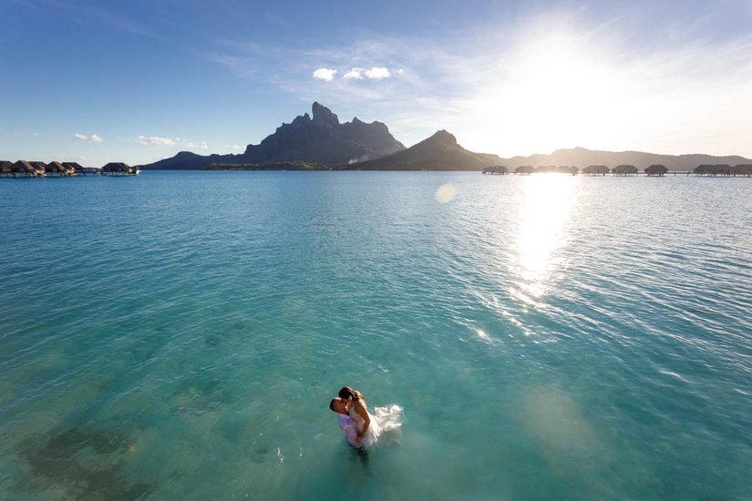 Bride and Groom at the lagoon in Bora Bora