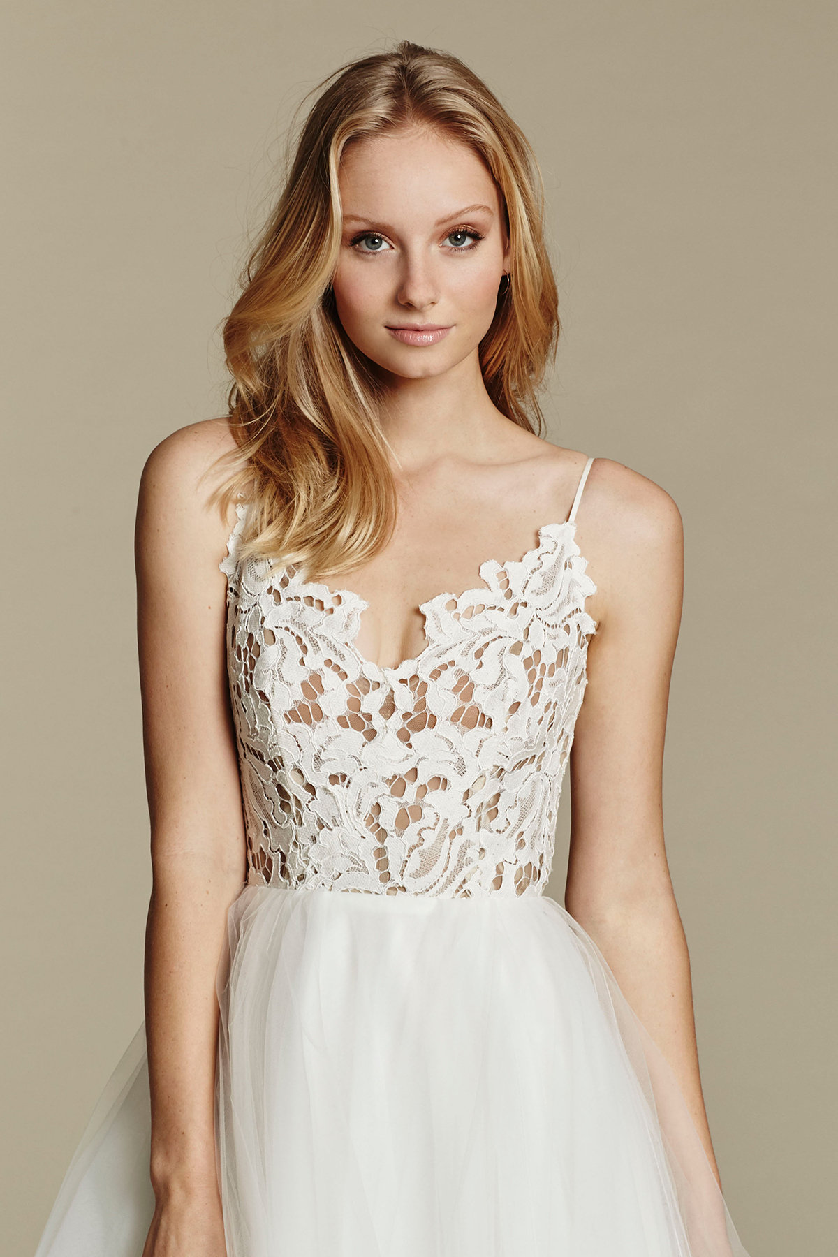 1600 dress style