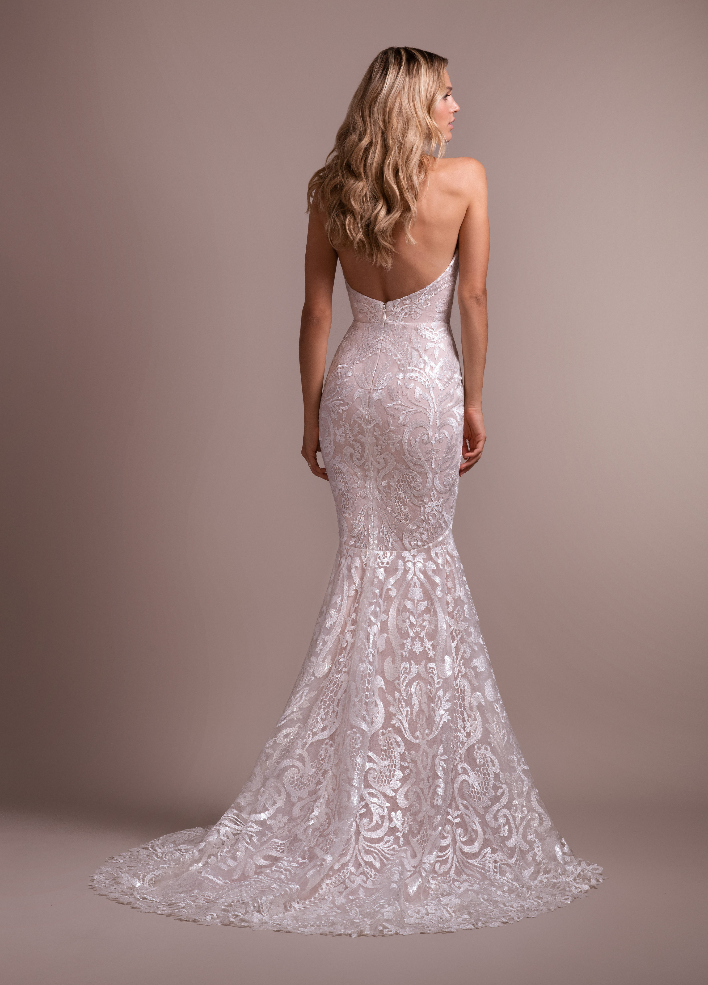 f9419c9b37ce5 Bridal Gowns and Wedding Dresses by JLM Couture - Style 6914 Elke