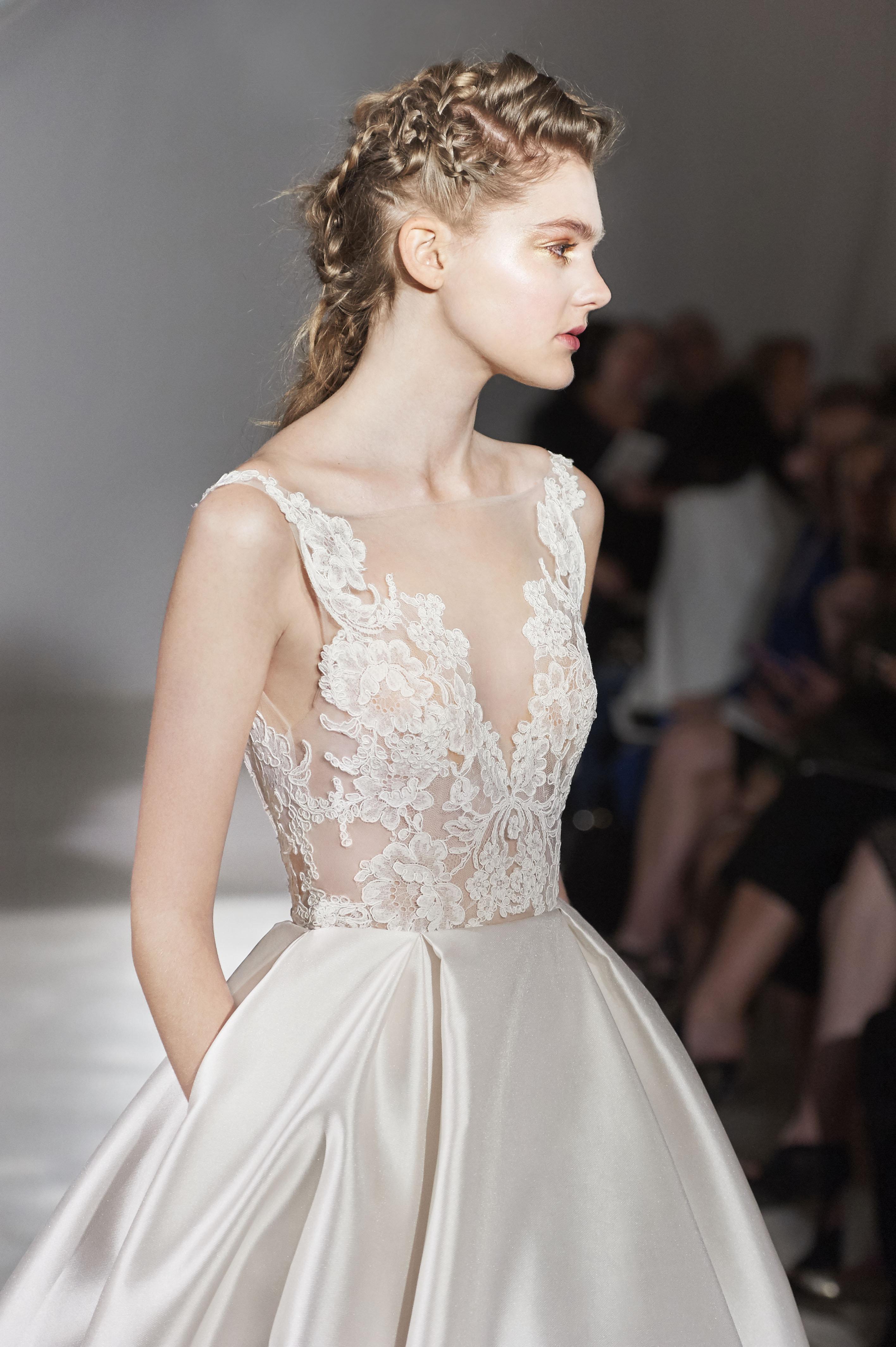Fantastisch Lazaro Brautkleider Galerie - Hochzeit Kleid Stile Ideen ...