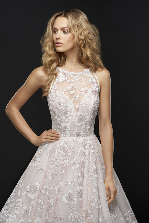 Style 6755 Reagan Lookbook Close-Up