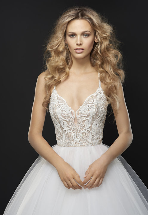 Style 6763 Jax Lookbook Close-Up