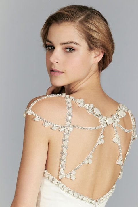 Style 6362 Khalessi Close Up Back View
