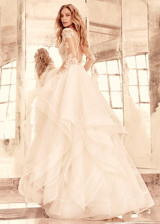 Style 6556 Elysia Ad Shot