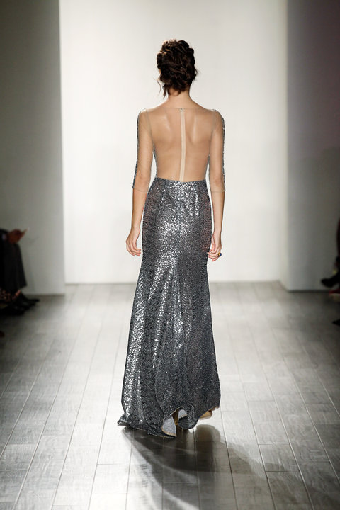 Style Charlize Runway Back