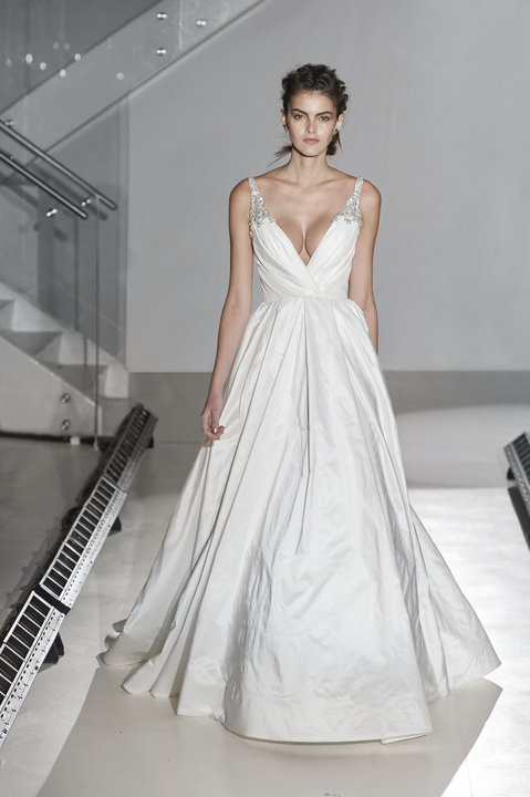 Jim Hjelm Style 8668 Bridal Gown