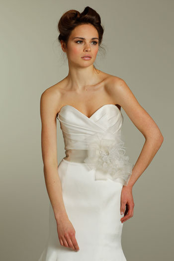 Style 8153  Close-Up