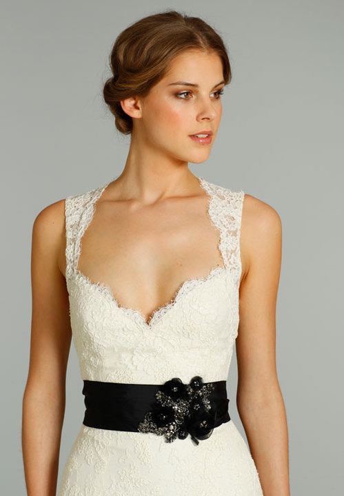 Style 8262  Close Up View