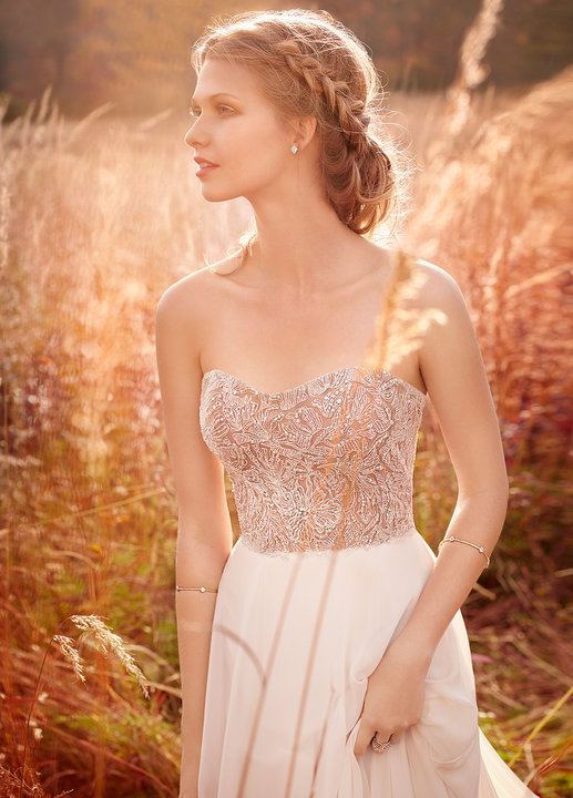 Jim Hjelm Style 8612 Bridal Gown