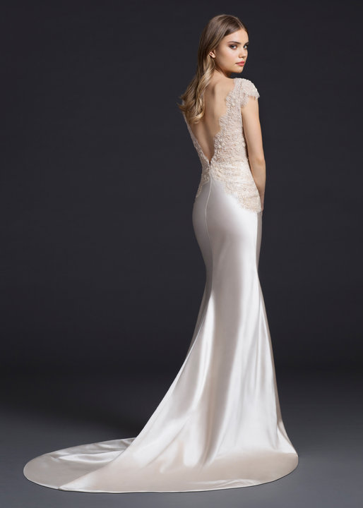 Style 3652 Look Book Back