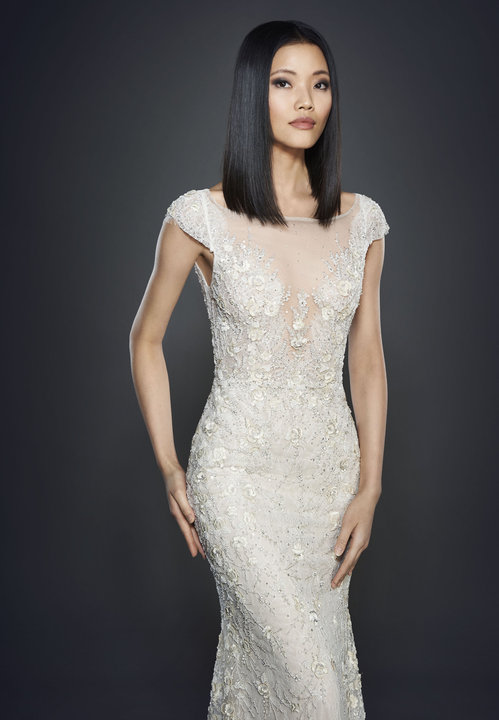 Style 3702 Lookbook Close Up