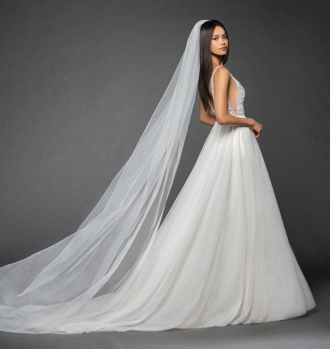 Style L858 Roxana Veil