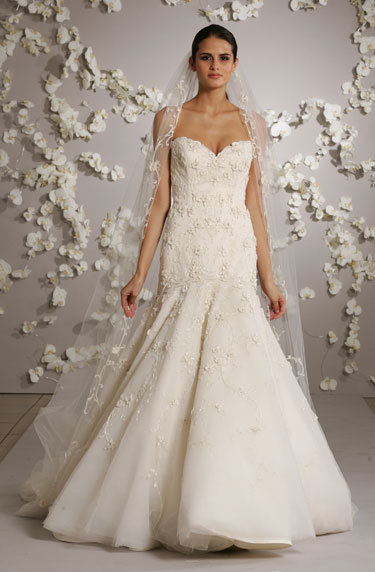 Style 3002  Alt View - shown with veil