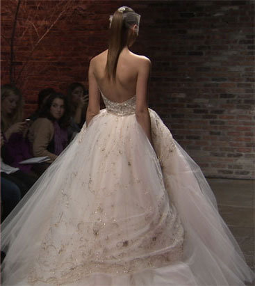 Style 3315  Runway View