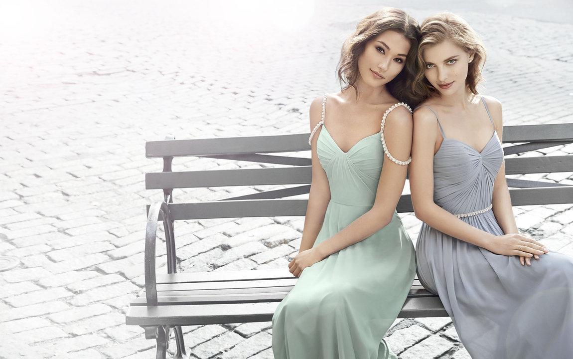 Style 5701 Ad Shot