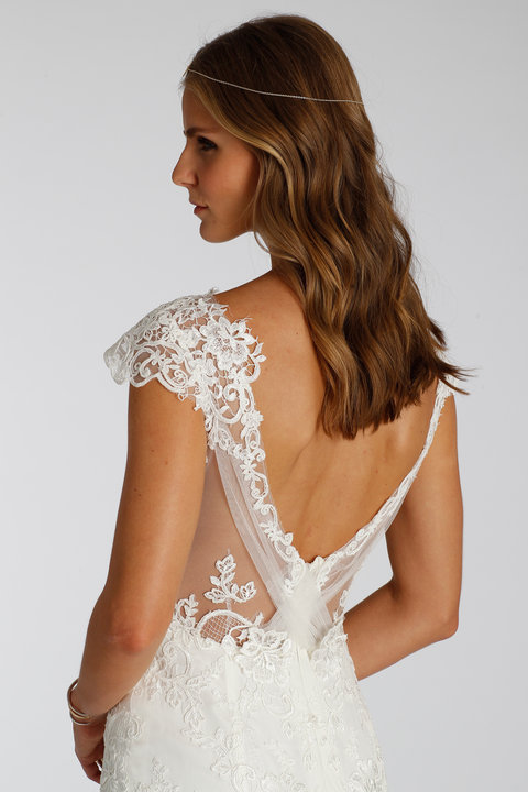 Style 7658 Back Detail View