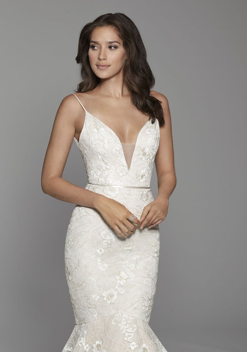 Style 2751 Lookbook Close-Up