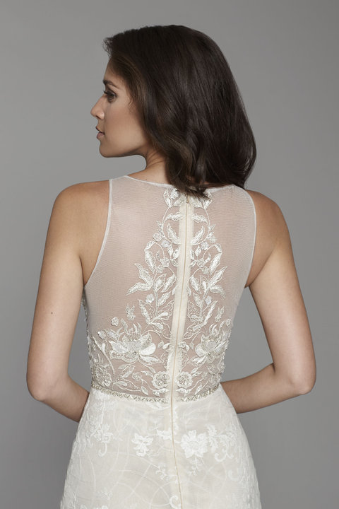 Style 2758 Lookbook Close-Up